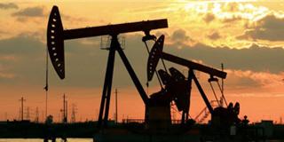 Négocier des actions pétrolières.